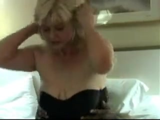 Mature amateur wife gets huge creampie from bbc